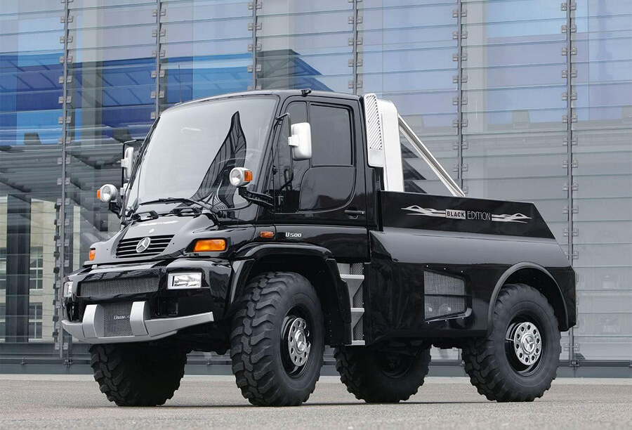 Unimog U500 black off-road