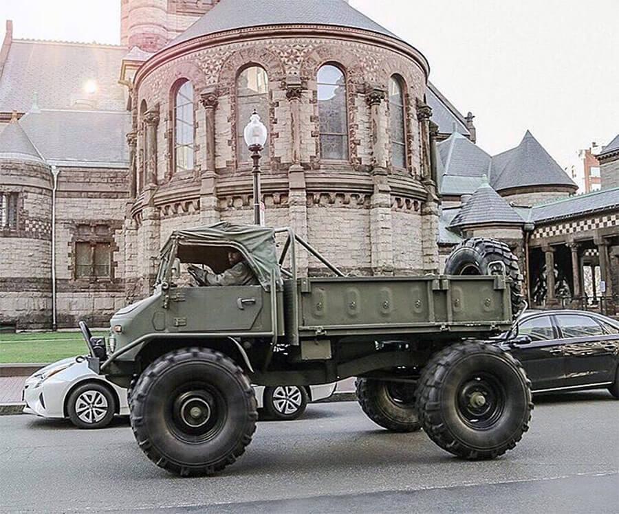 Unimog 404 retro military vehicle