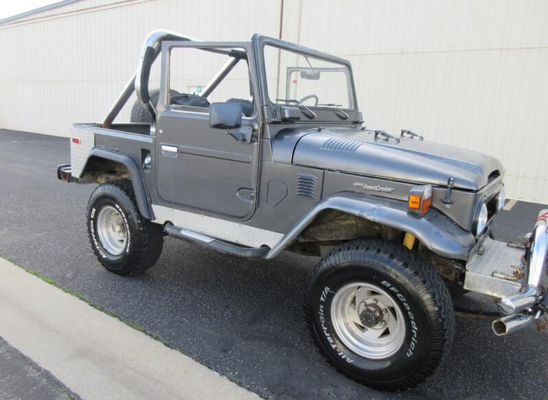 Toyota fj 40 grey color
