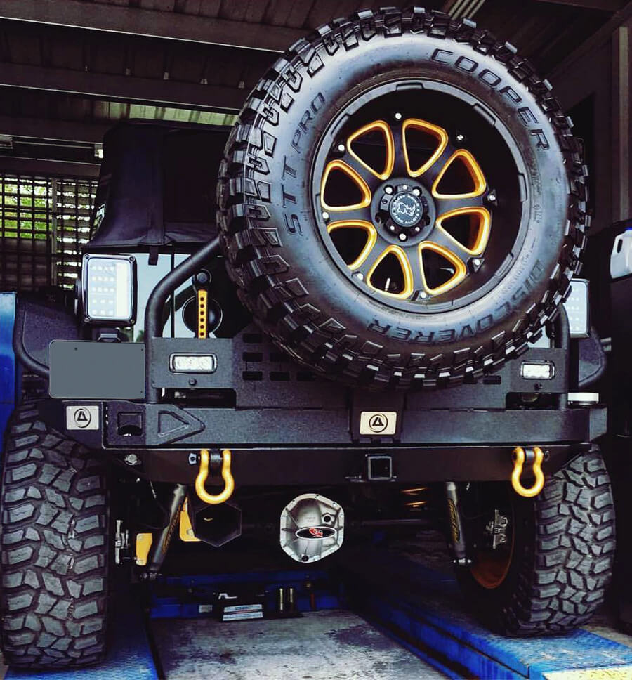 Jeep wrangler JK 35 inch spare tire carrier