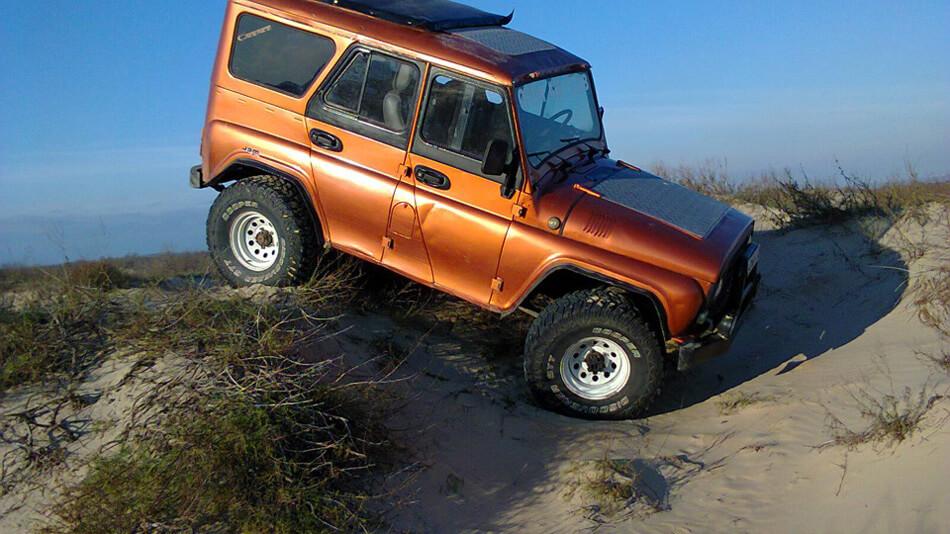 UAZ 31514 dune bashing