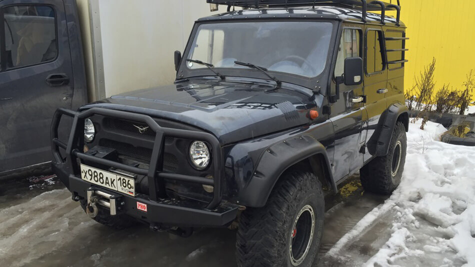 Uaz hunter fender flares, roof rack and off-road tires