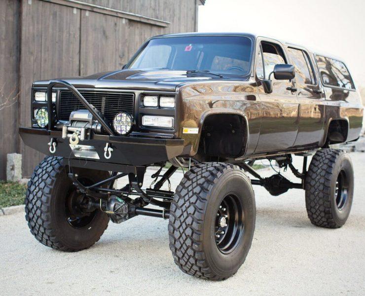 Chevy suburban Rock crawler
