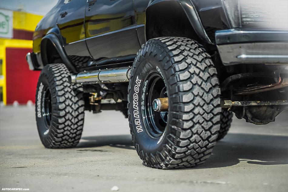 "Chevy Malibu on Hankook 33"" tires"