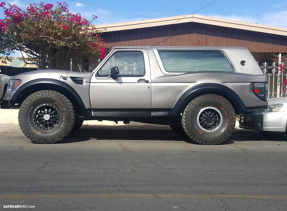 Ford Bronco long base - Extended