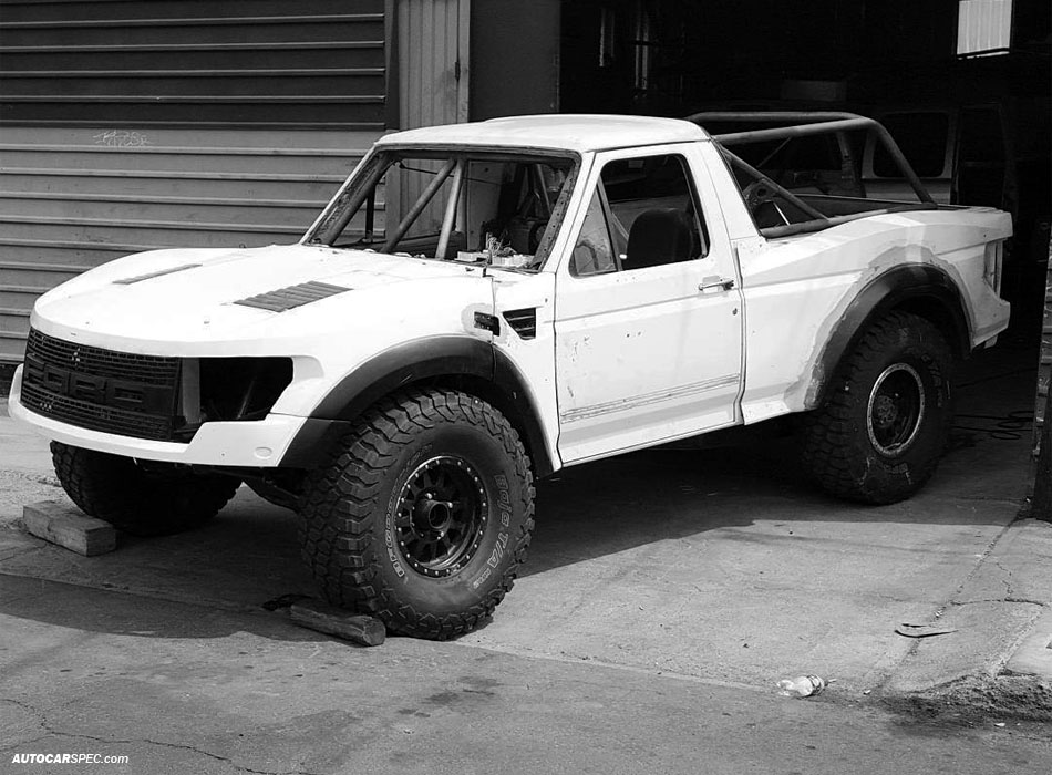 Ford Bronco Prerunner fabrication