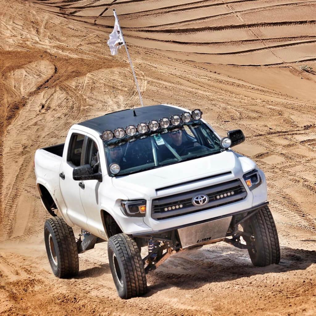 Long travel Tundra Jumping in the desert