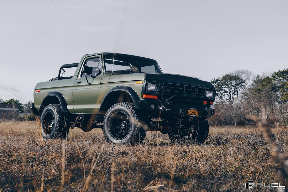 1978 Ford Bronco II steel offroad bumper