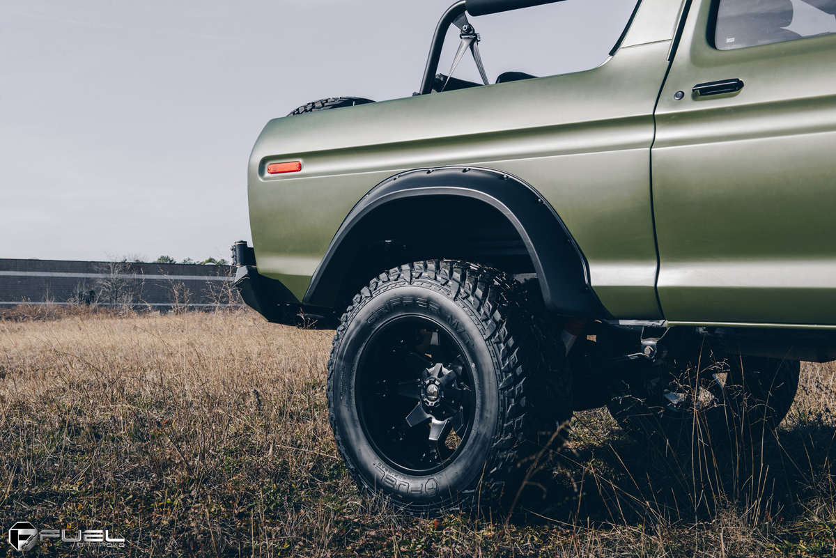 1978 FORD Bronco rear quarter panel and fender flares