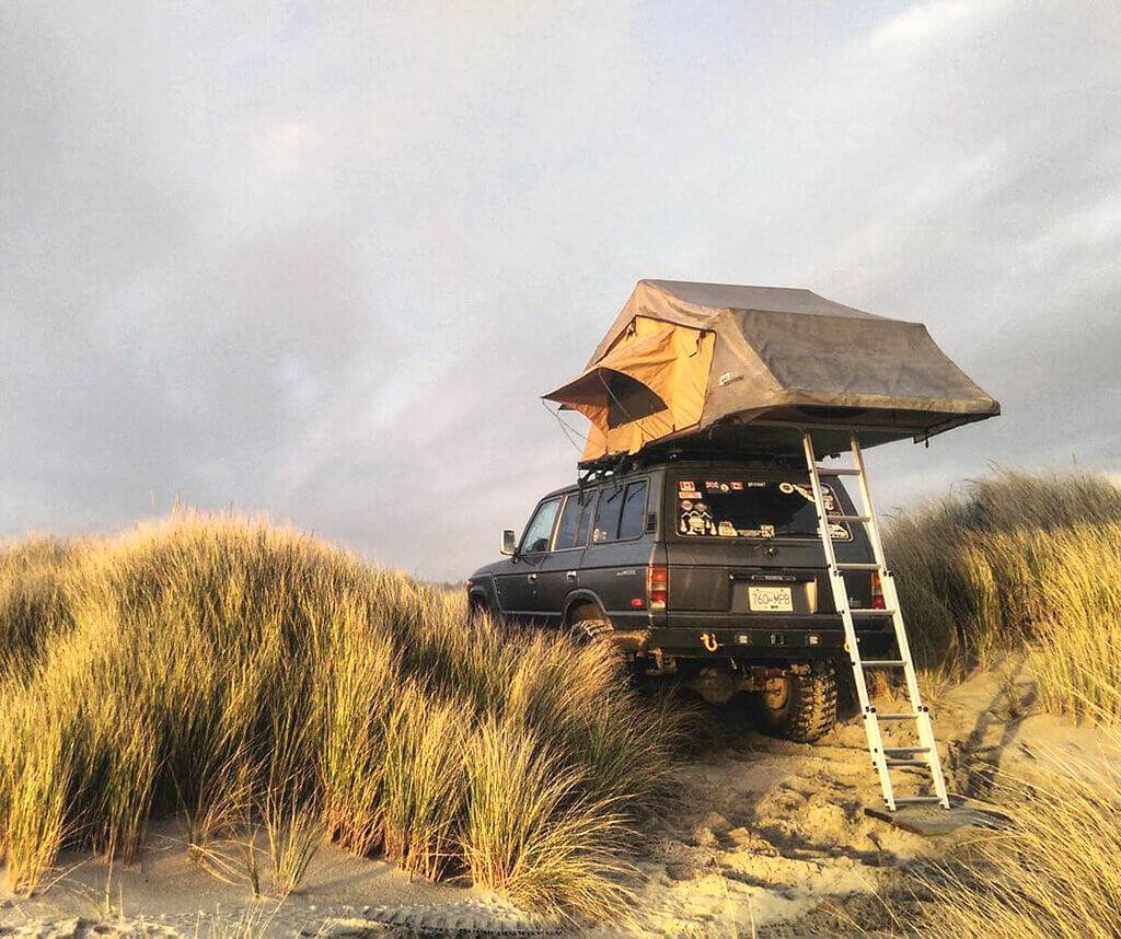 ARB roof tent on Land Cruiser FJ60