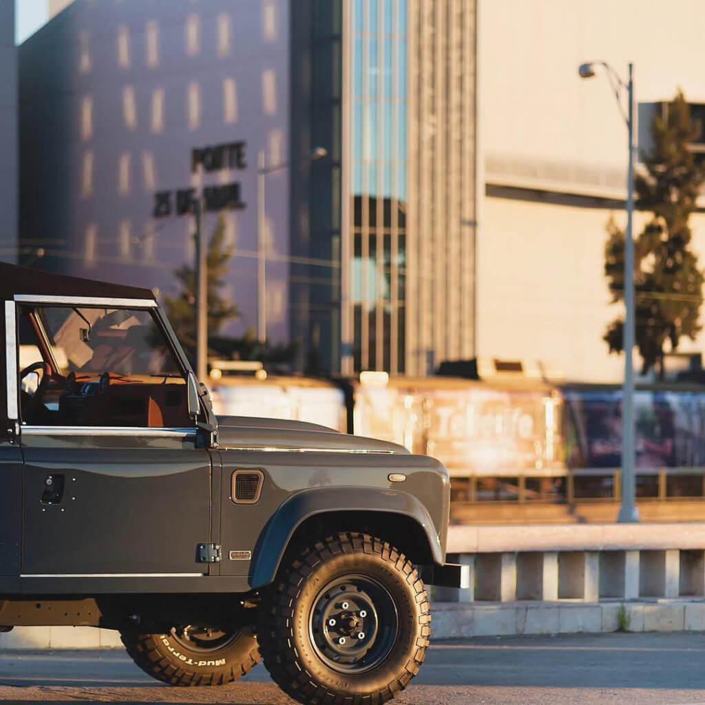 Gray Land Rover Defender 90