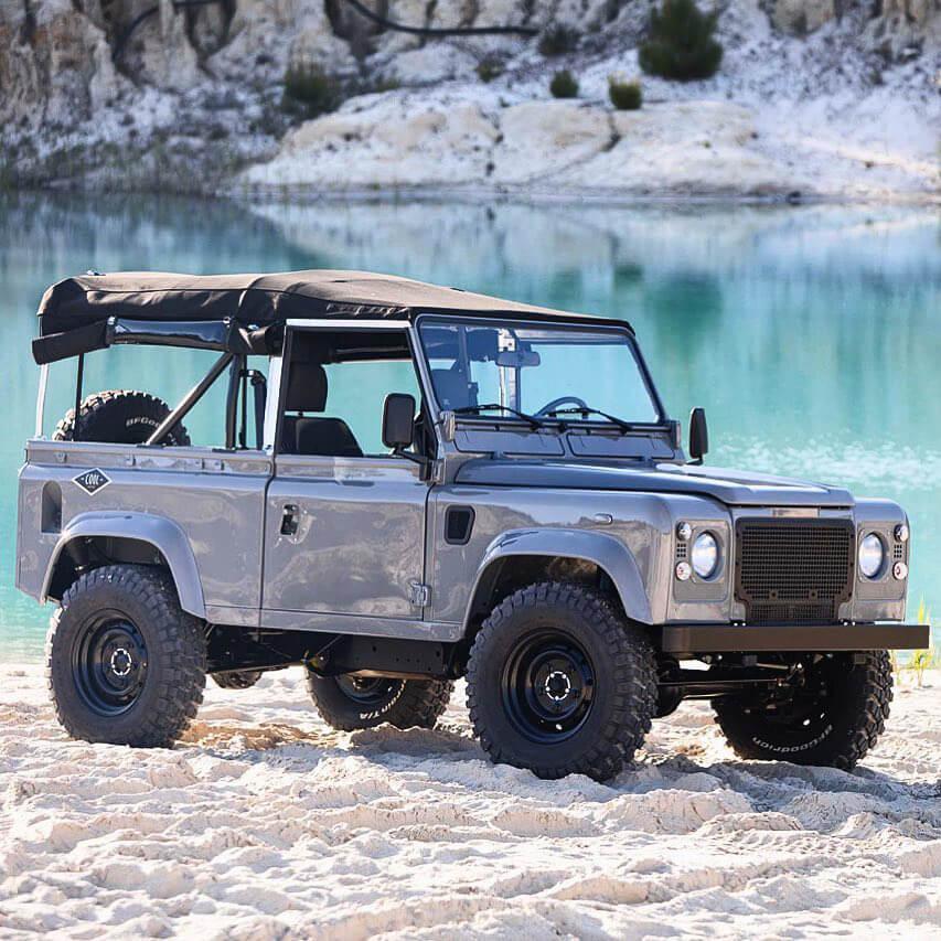 Land Rover Defender in Sand