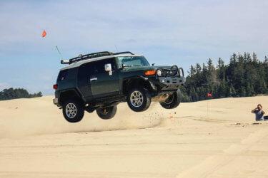Toyota fj cruiser jumping dunes 2