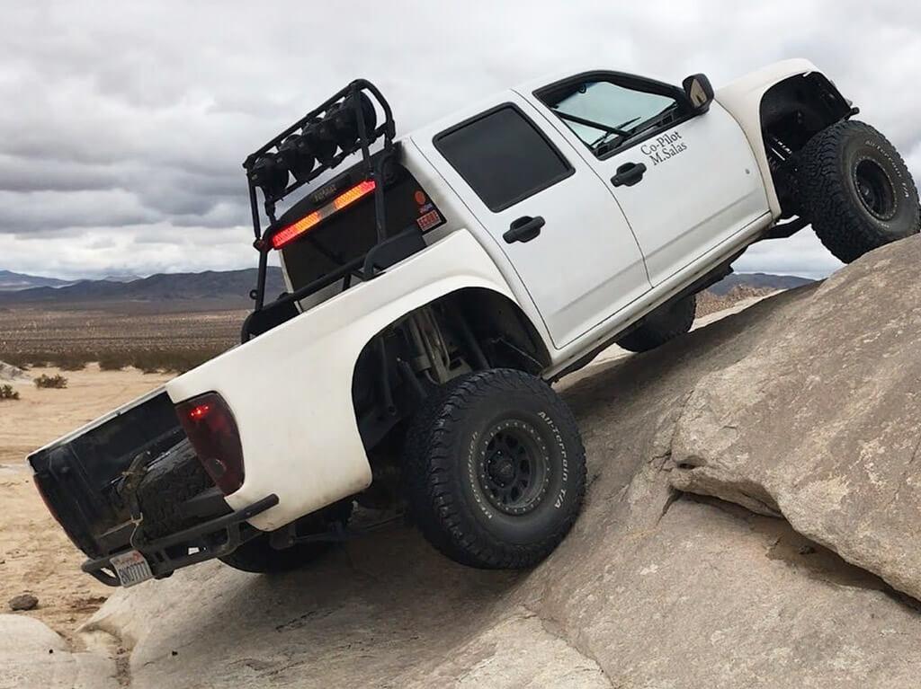 Chevy Colorado reock crawling