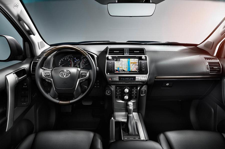 Toyota Land Cruiser Prado 150 interior 2018 redesign