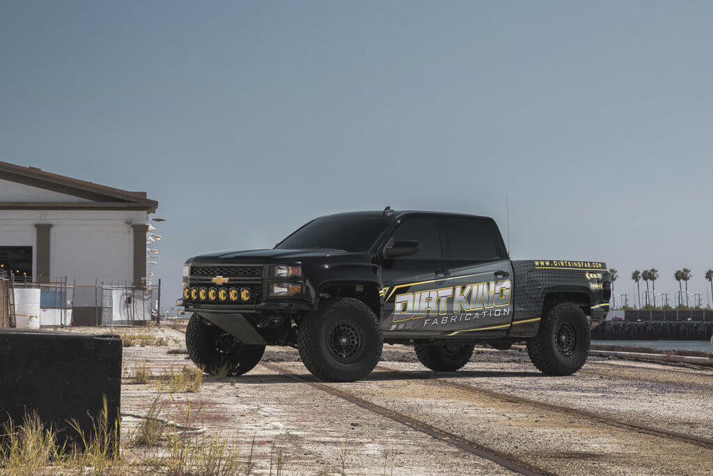 Fuel Zephyr D633 Beadlock wheels on Chevy Silverado Prerunner