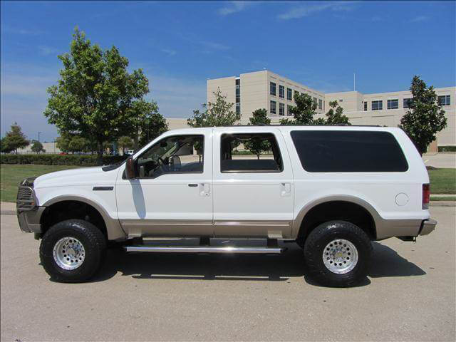 FORD Excursion lifted on 33s