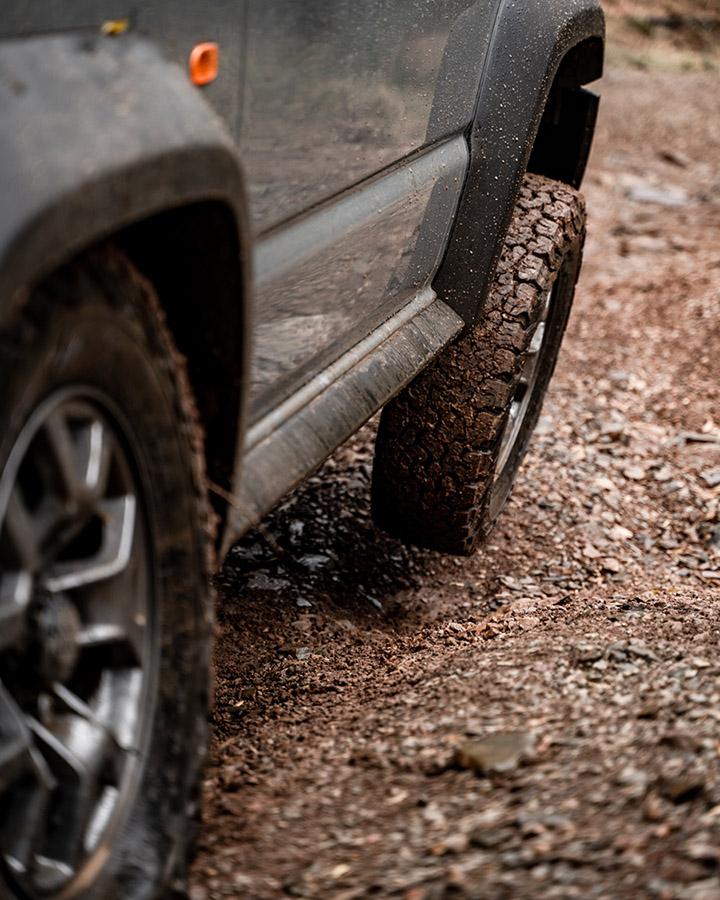 New Suzuki Jimny wheeling in the mud