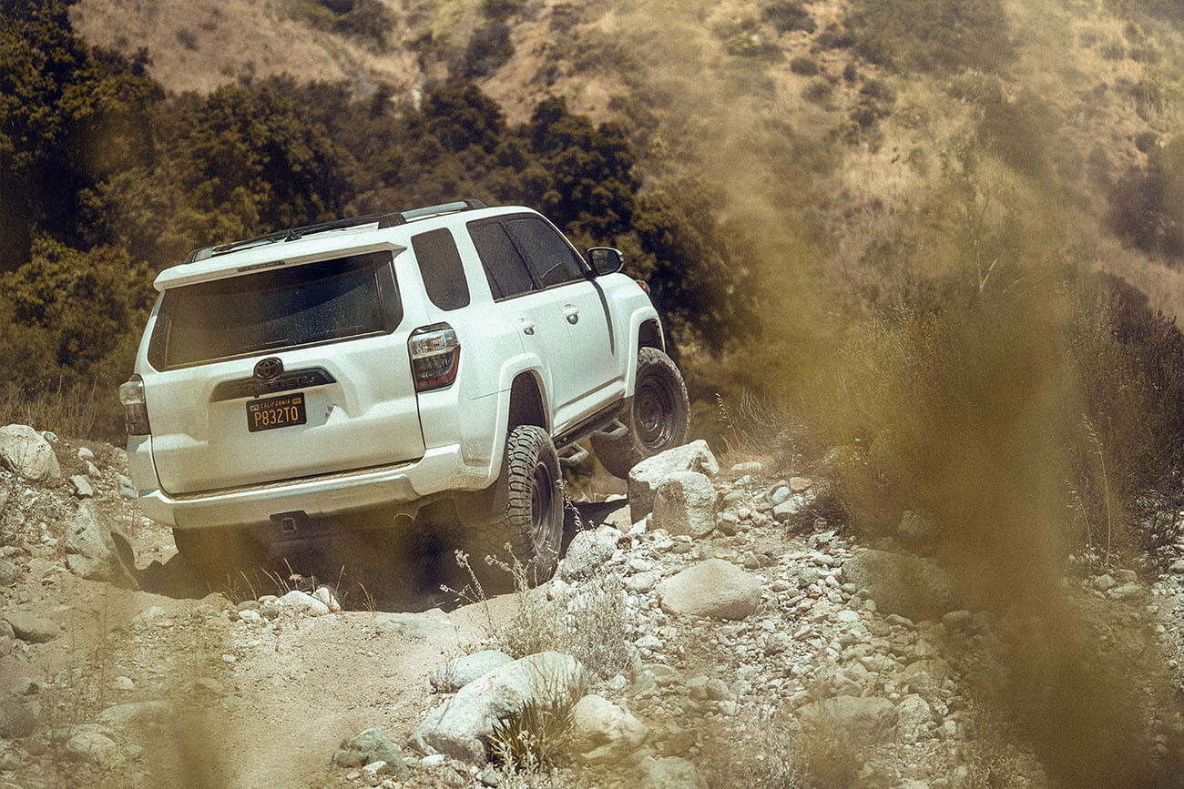 Lifted Toyota 4Runner rock crawling