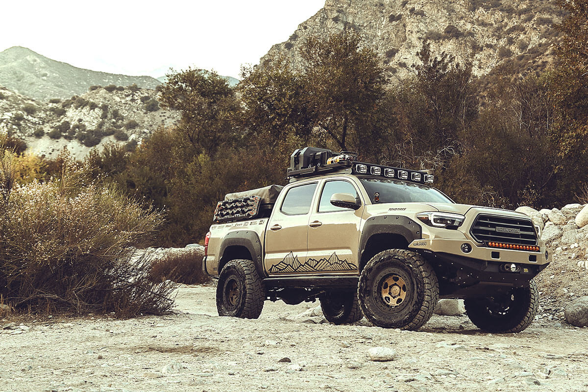 Lifted Toyota Tacoma with 37 Inch tires and 17x8.5 wheels Fifteen52 Turbomac HD