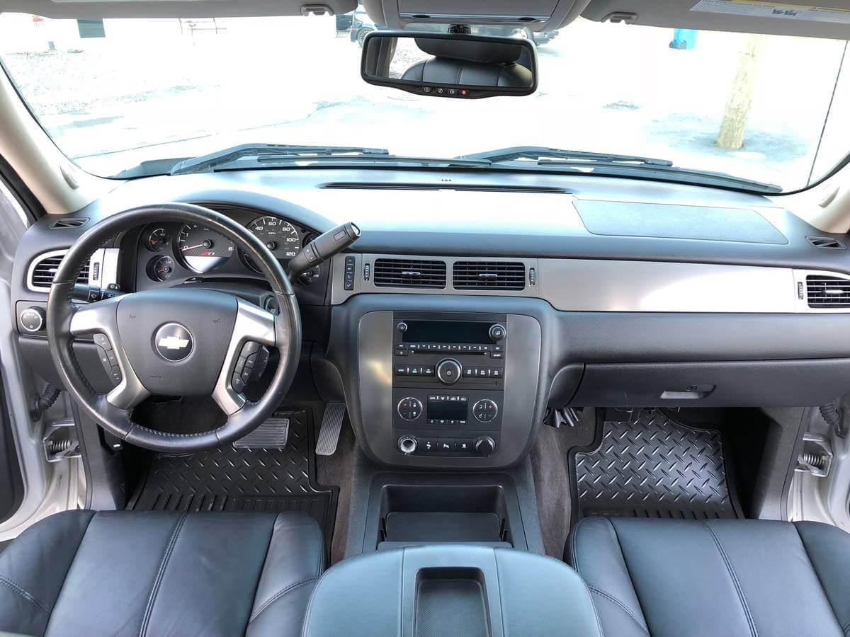 Mint interior of chevy silverado luxury prerunner