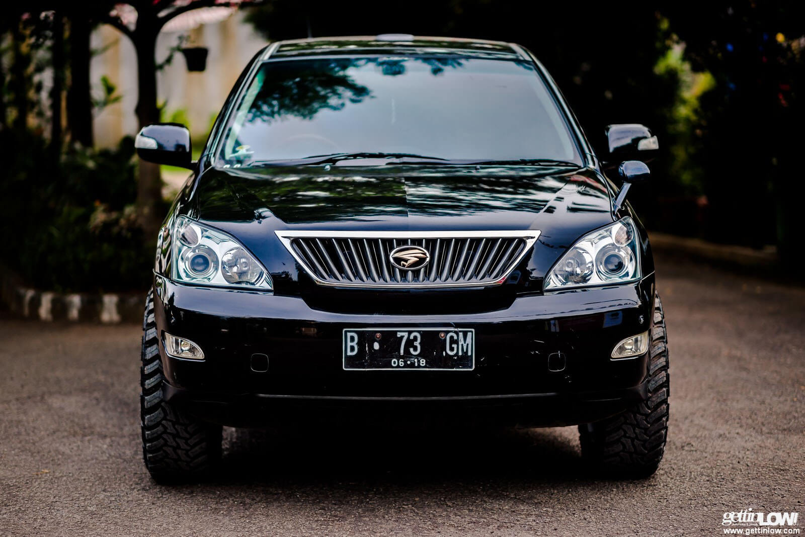 Lexus RX300 with off road mods