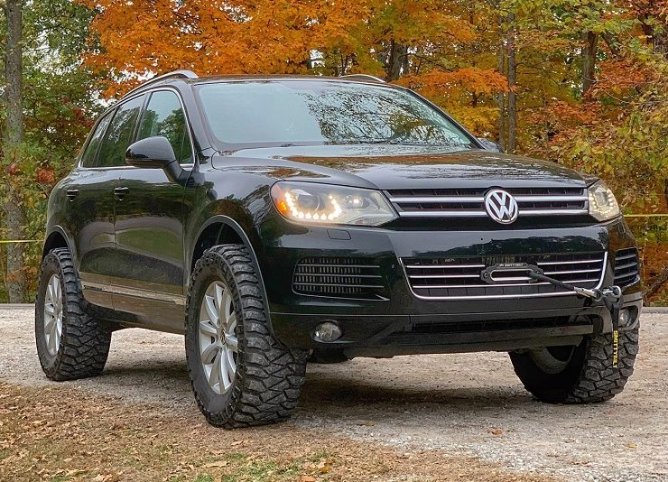 Lifted Volkswagen Touareg With 33 Mud Tires small