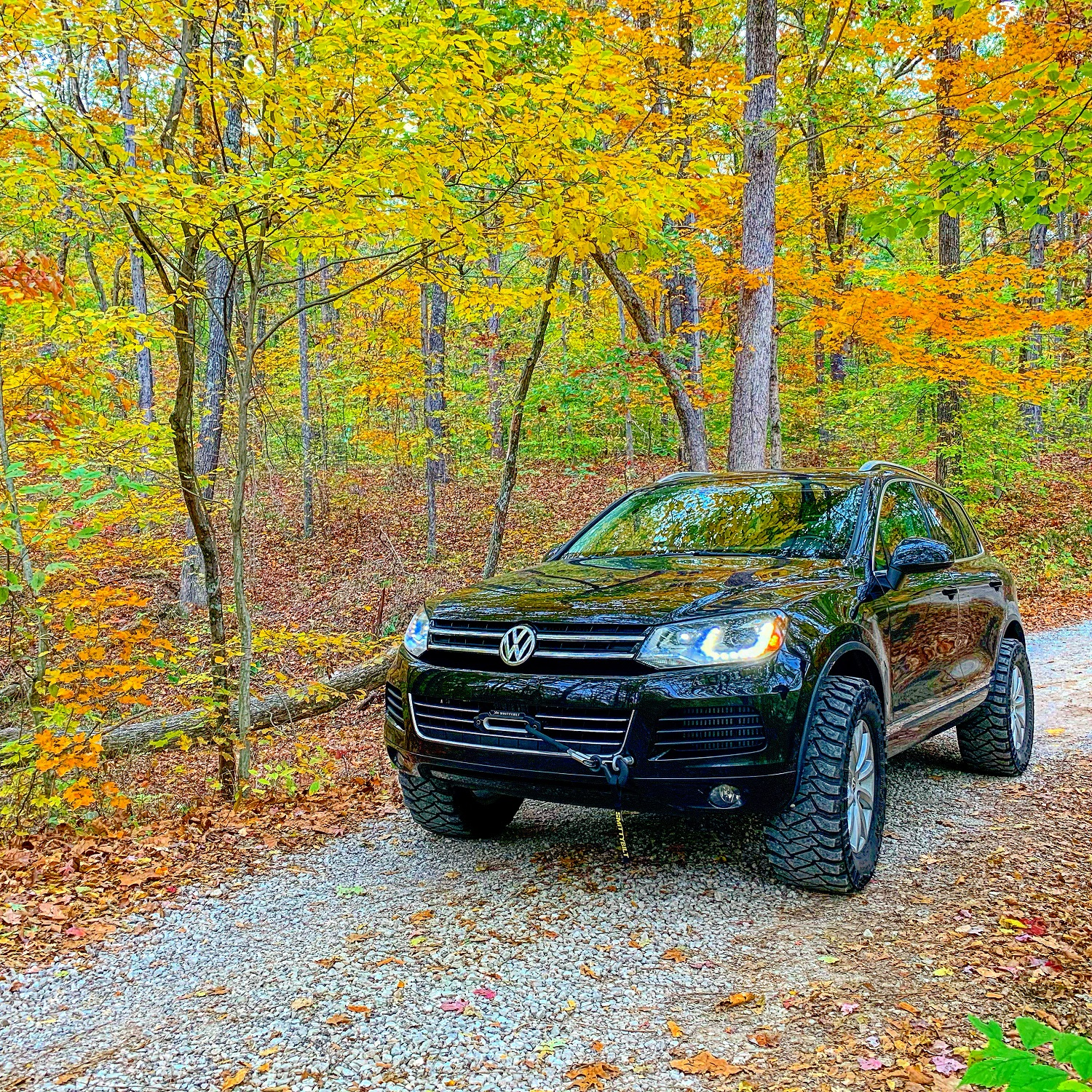 Lifted Volkswagen Touareg With a bumper mount winch