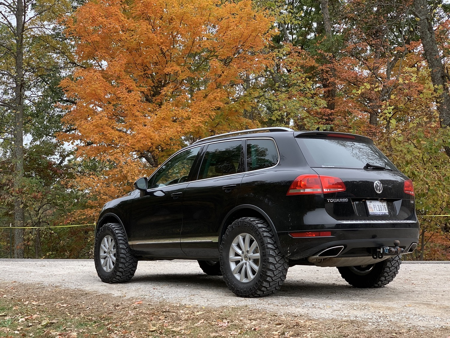 Lifted Volkswagen Touareg on 305 60r18s