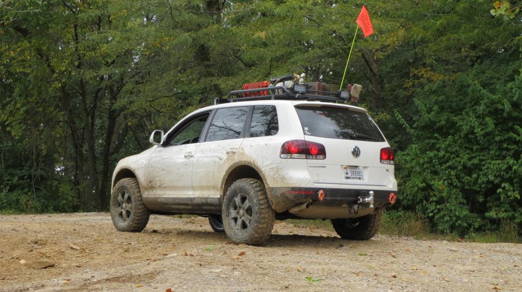 Lifted Volkswagen Touareg on off-road wheels