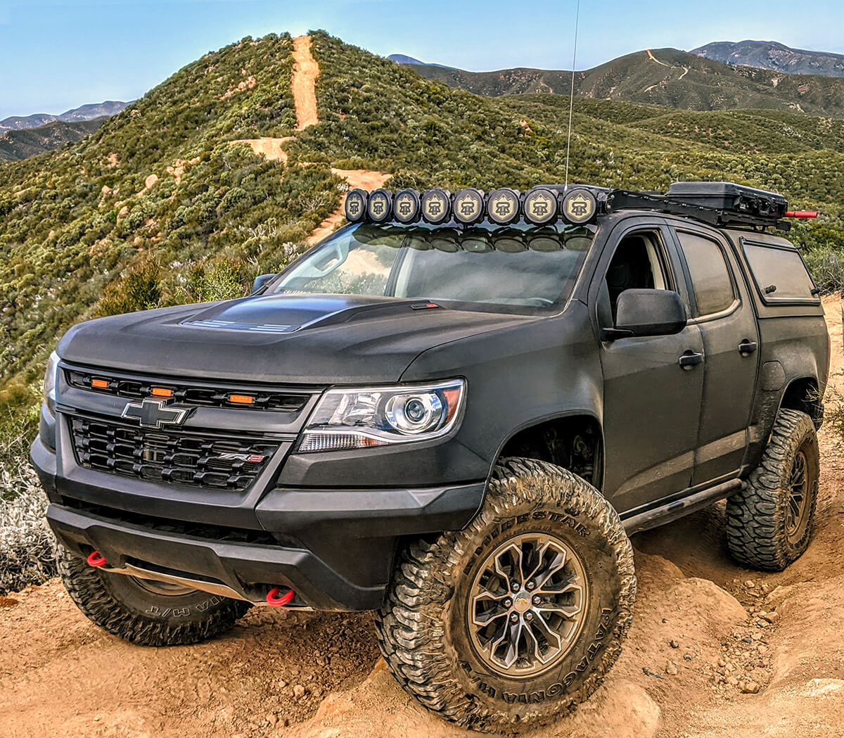 Chevu Colorado ZR2 on 37 inch tires and no lift