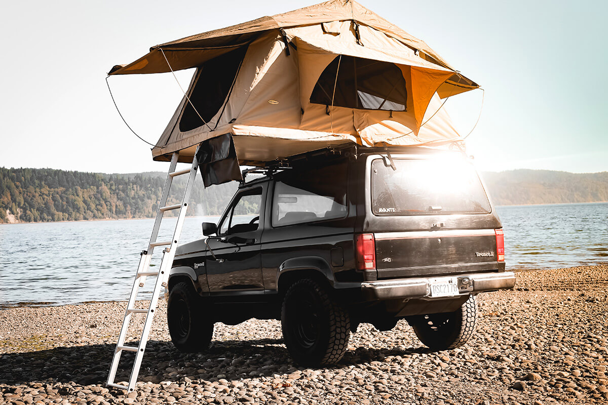 Ford Bronco II roof top tent