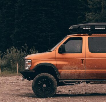 Ford E350 with a 6 inch lift by Pro Comp