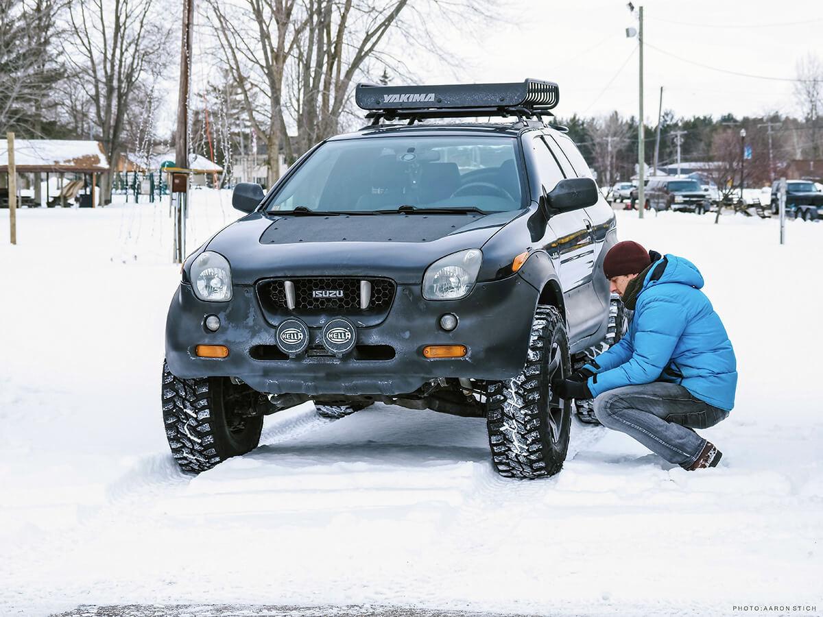 Isuzu Vehicross snow wheeling