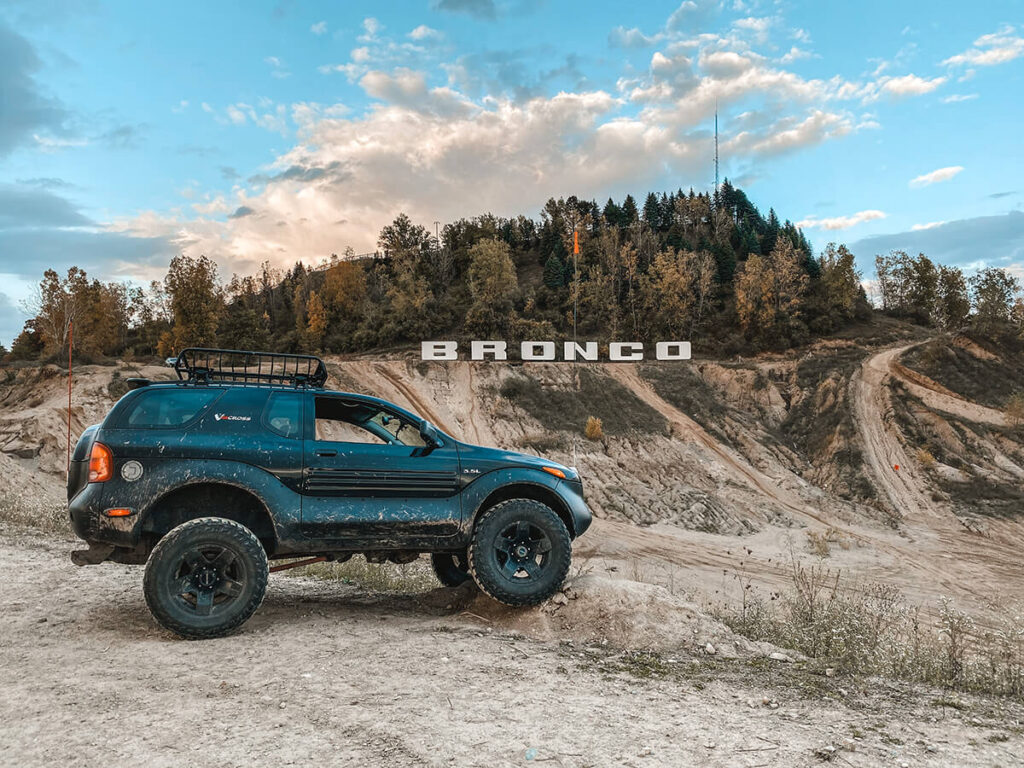 Offroading in Isuzu Vehicross Bronco trail