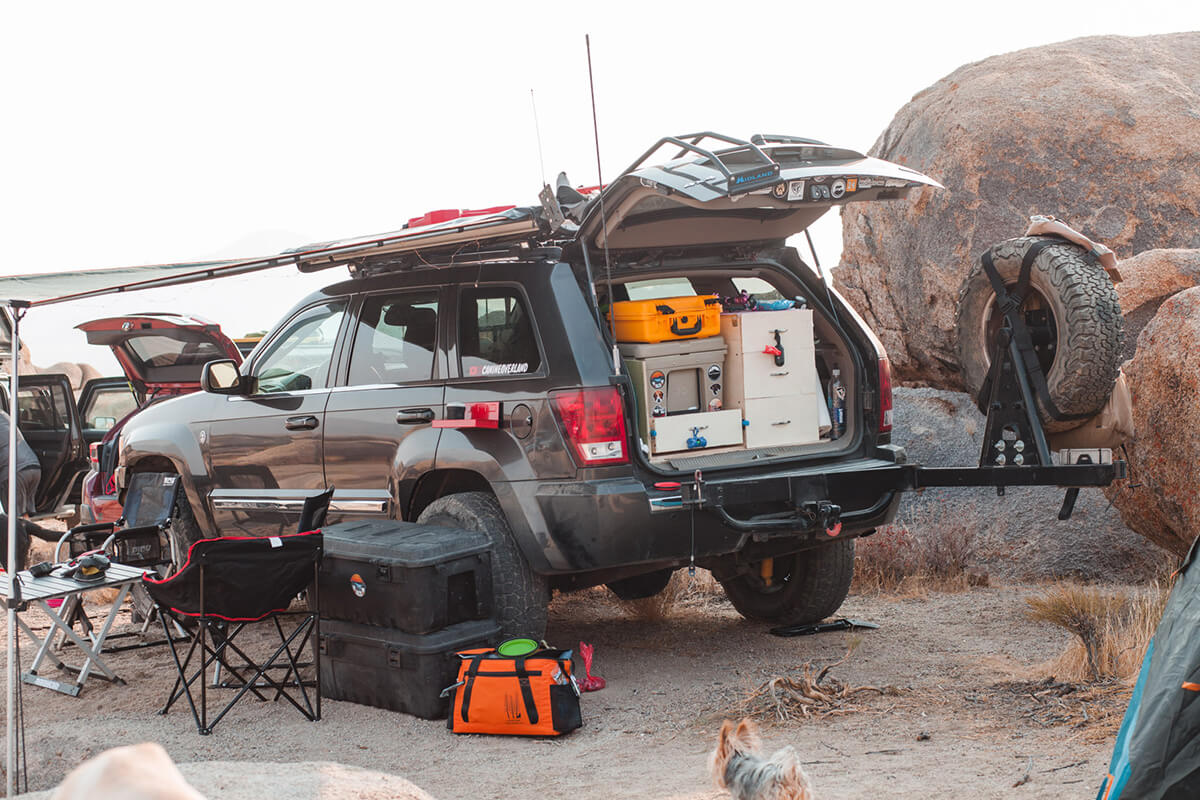 Jeep Grand Cherokee WK1 swing out spare tire carrier and kitchen setup