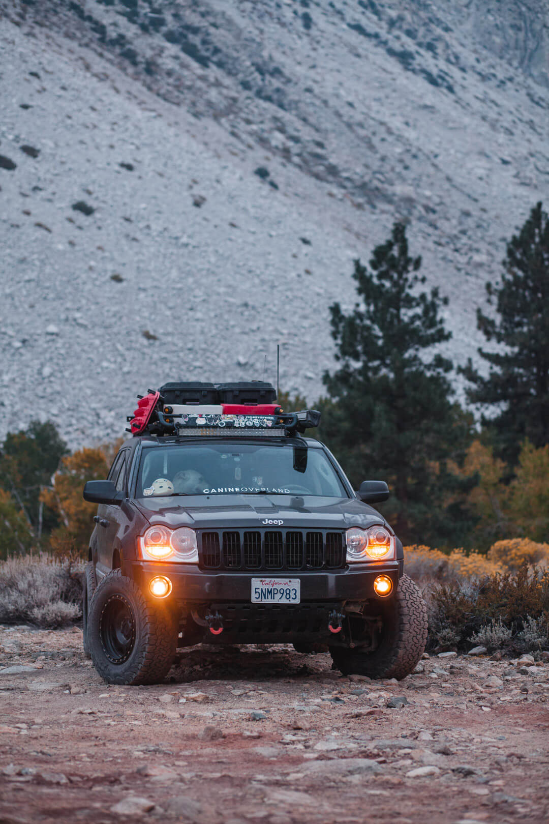 Jeep Grand Cherokee WK1 overland mods and yellow fogs