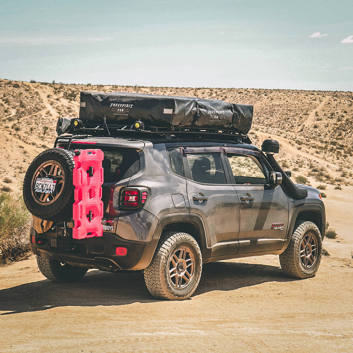 Jeep Renegade With a roof top tent RTT