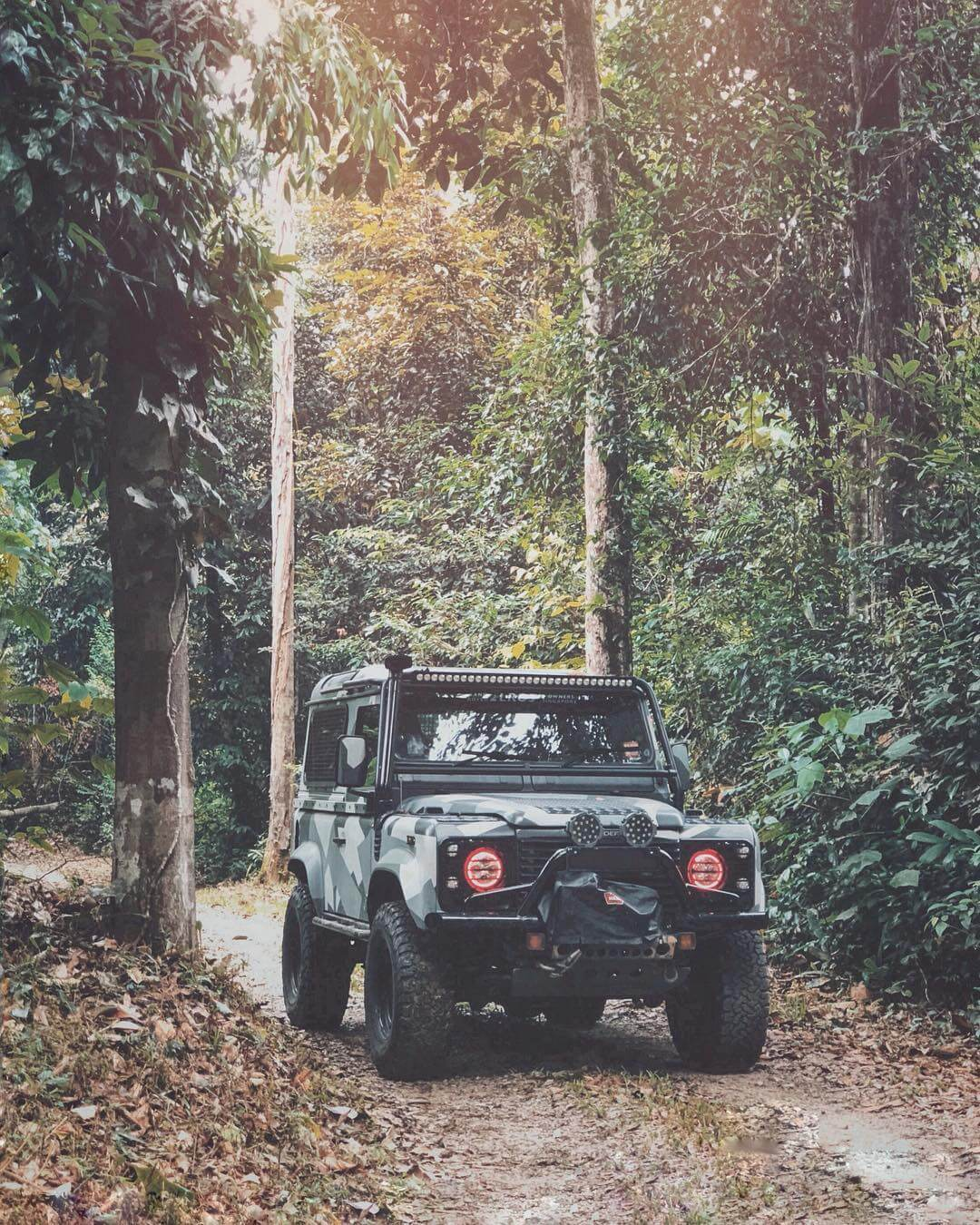 Land Rover Defender LED lightbar