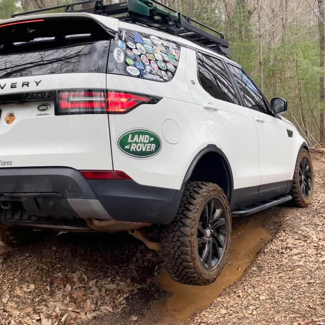 2018 Land Rover Discovery 5 HSE with mud tires