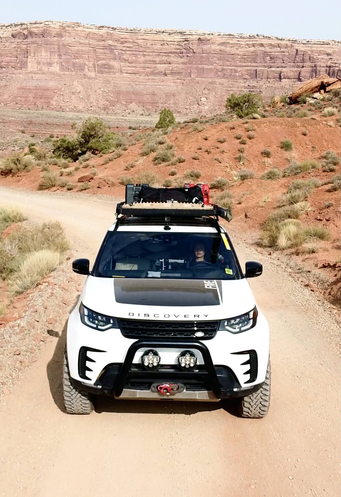 2018 Land Rover Discovery 5 HSE with off-road accessories