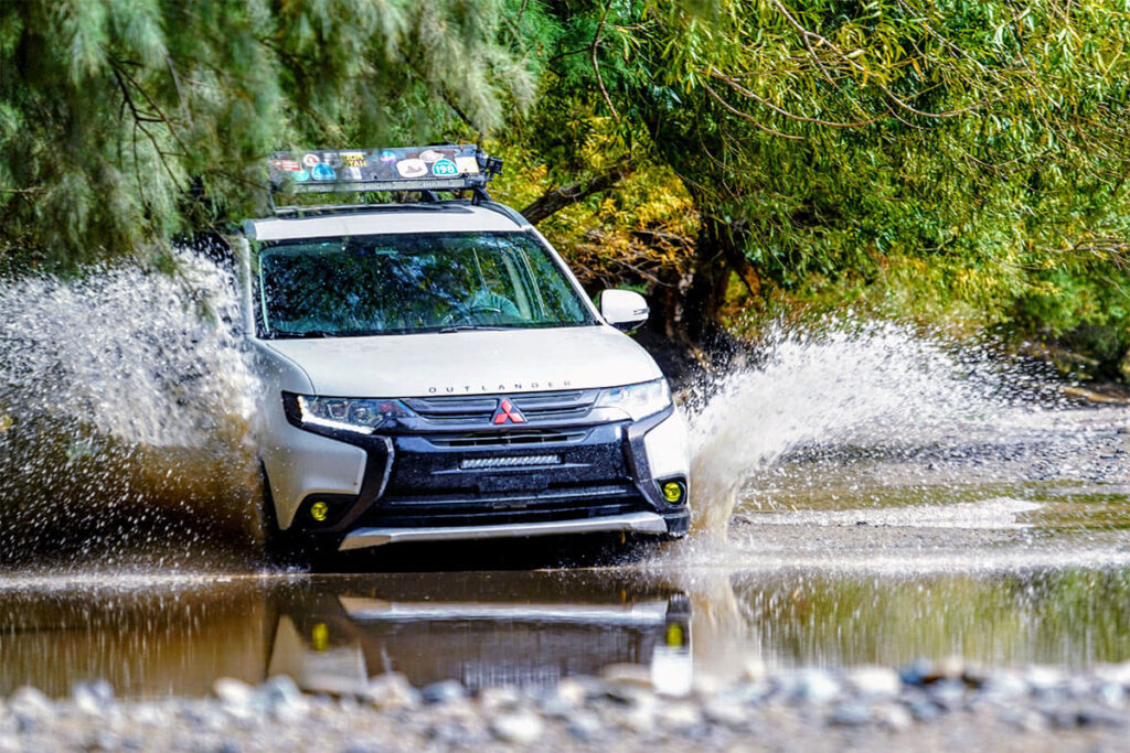 Mitsubishi Outlander river crossing