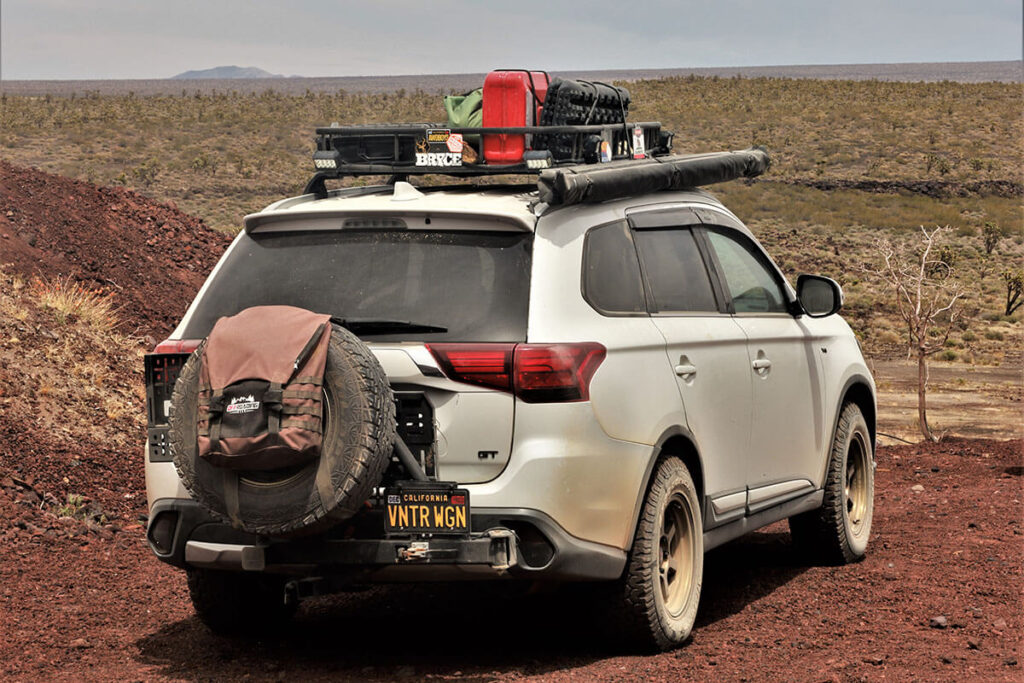 Mitsubishi Outlander swing-out spare tire carrier