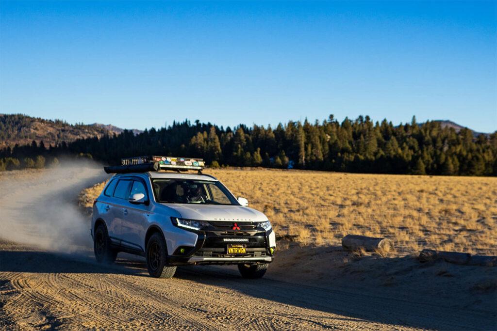 Mitsubishi Outlander awning