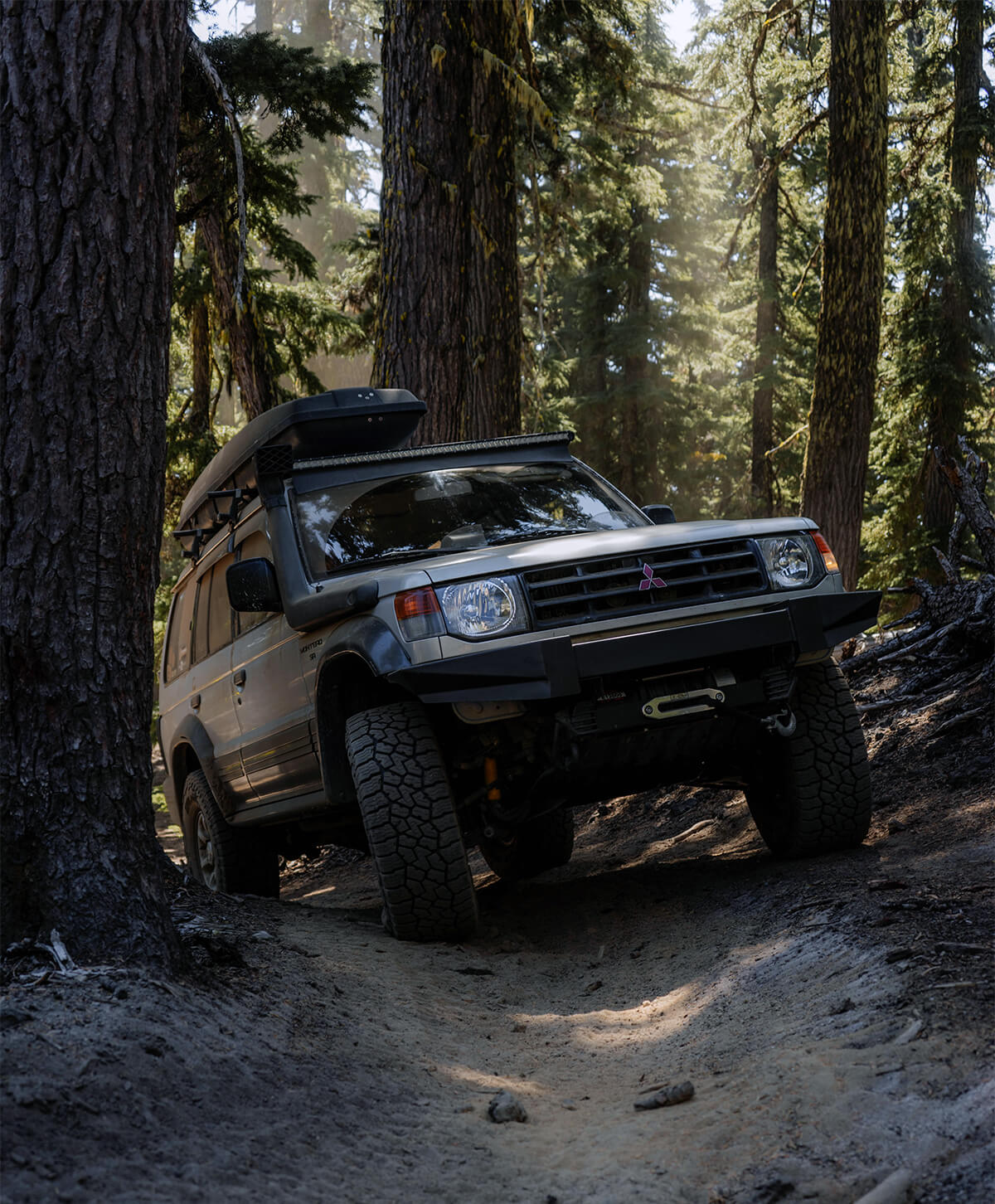 Mitsubishi Montero 33 inch tires offroading and overlanding
