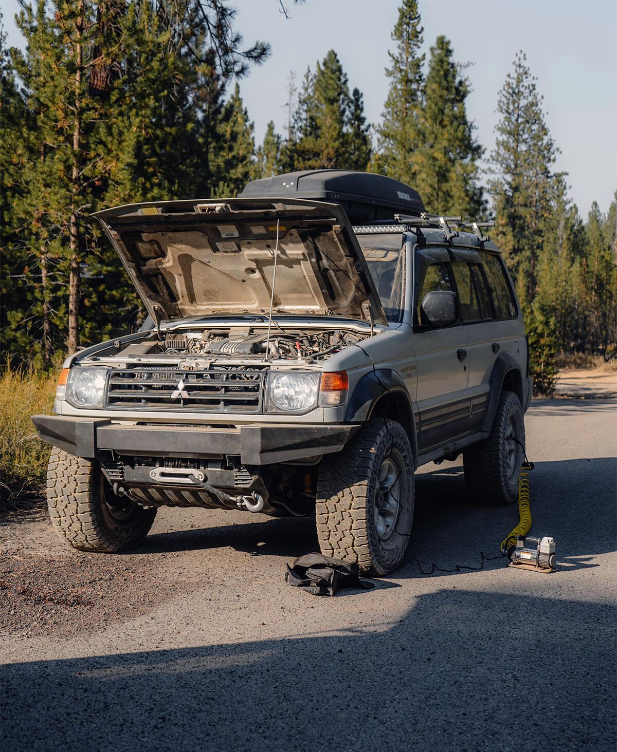 Mitsubishi Montero II Adventure driven design steel winch bumper