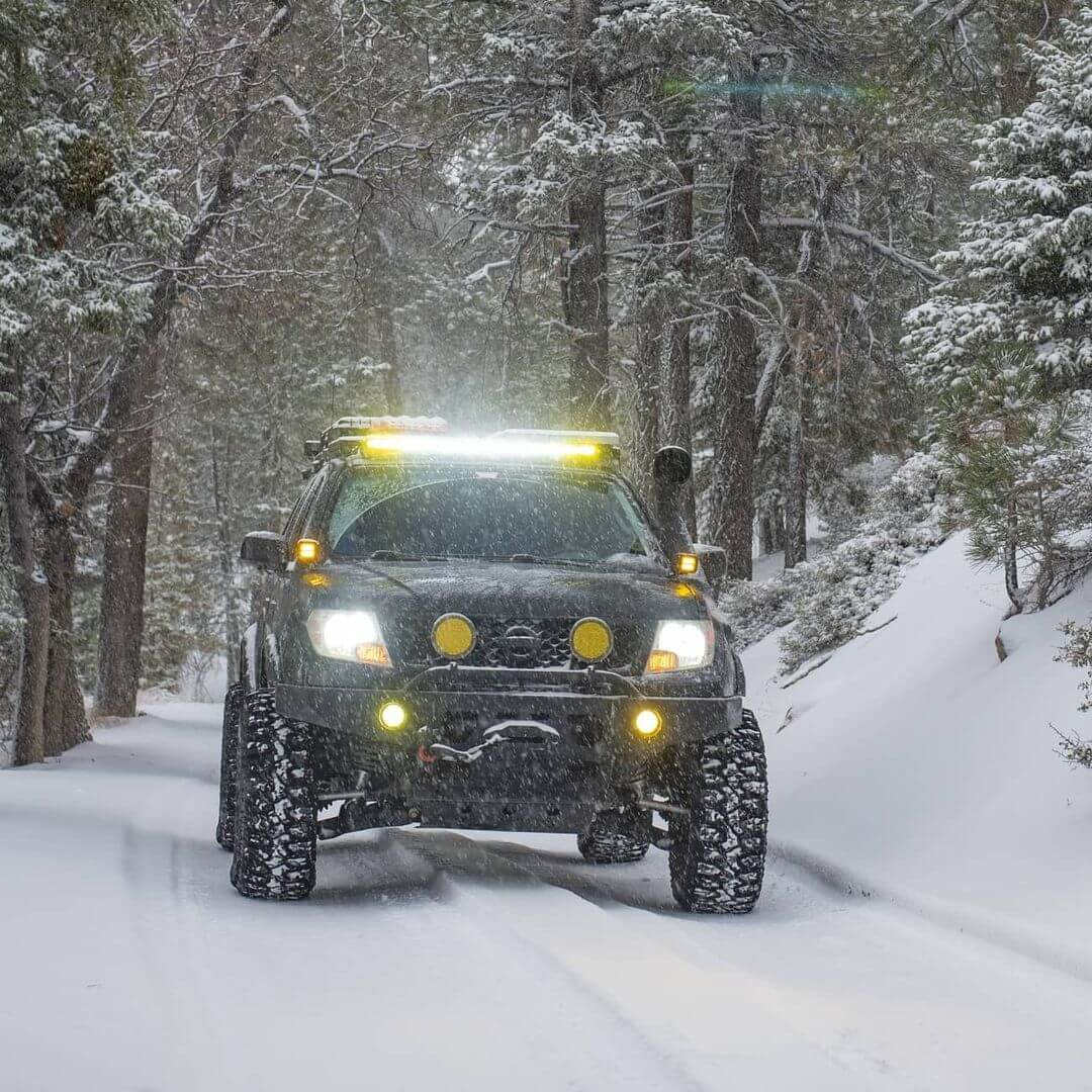 Nissan Frontier 40 in LED Lightbar, 4x 6in LED camp lights