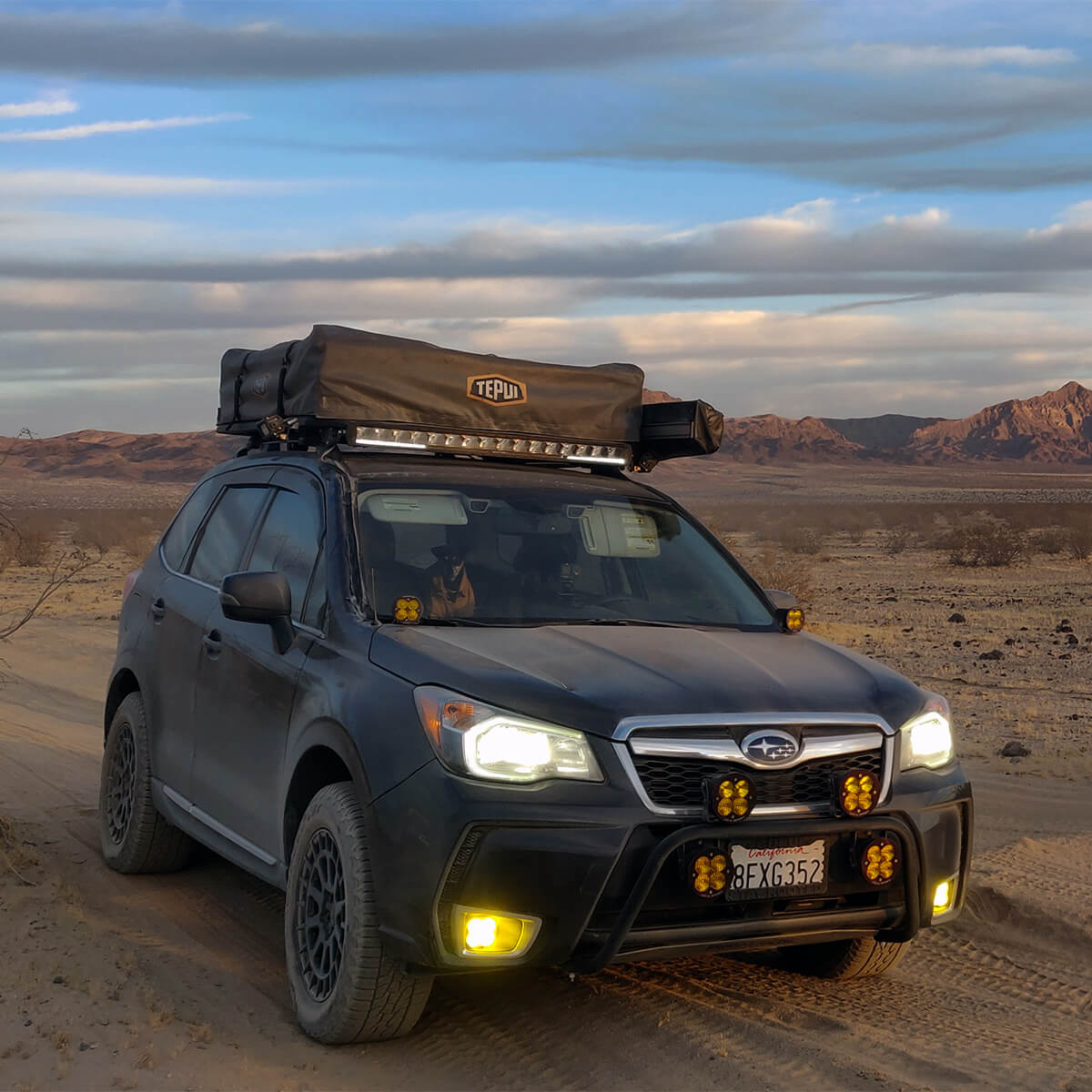 Subaru Forester SJ LED light bar and amber driving lights