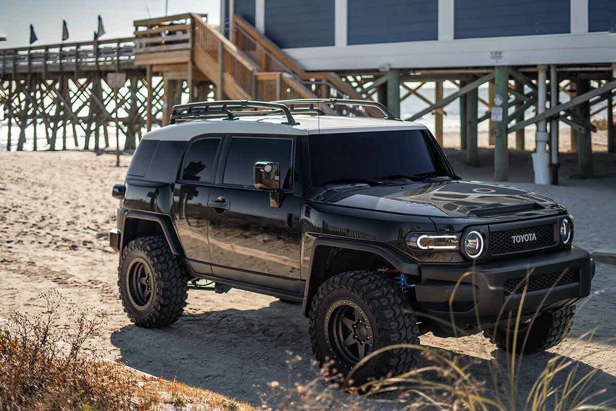 """Toyota FJ Cruiser mid travel 3.5"""" suspension lift, King coilovers with remote reservoirs"""