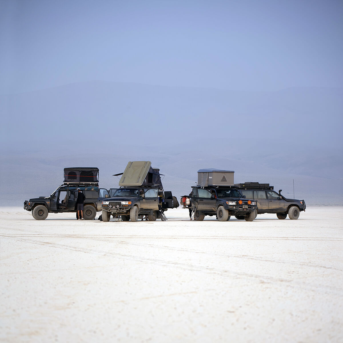Toyota Land cruiser off-road camping
